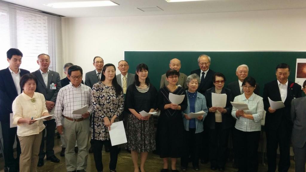 地域と区役所の職員全員で合唱しました。