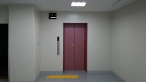 04エレベーター